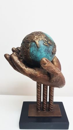 <b>Earth</b> - Bronze, h- 40 cm